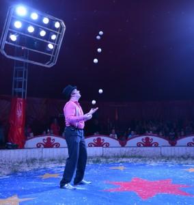 circusjongleur, jongleur, circus, circuskunst, varietema, jeroen, dutchjuggler